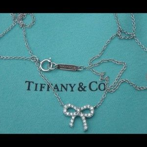 Tiffany & Co Metro Bow Pendant